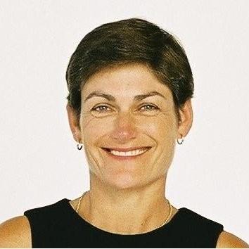 Dr Hillary Bennett